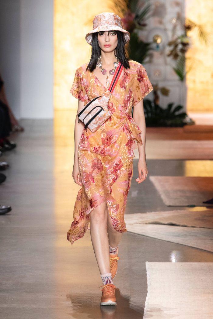 Модное платье 2019 весна-лето Anna Sui