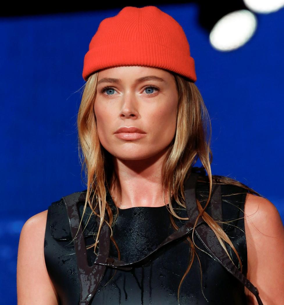 Модные шапки 2019 года. Calvin Klein