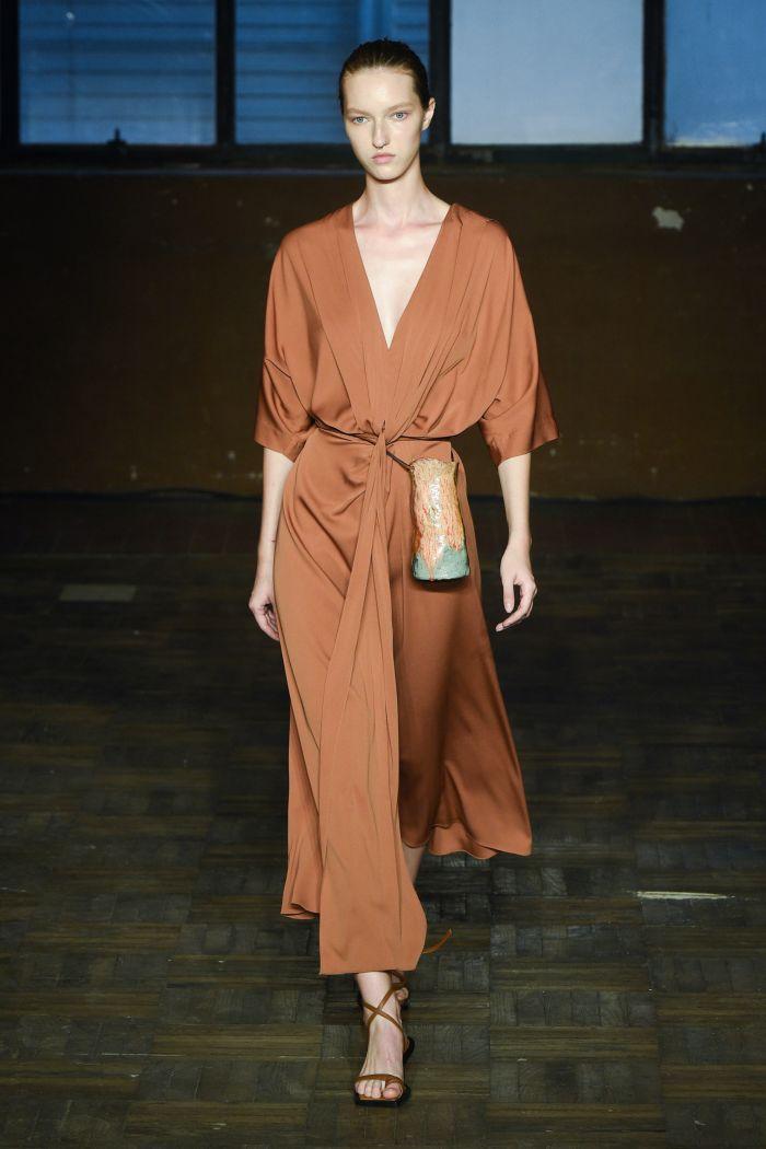 Модное платье 2019 весна-лето Erika Cavallini