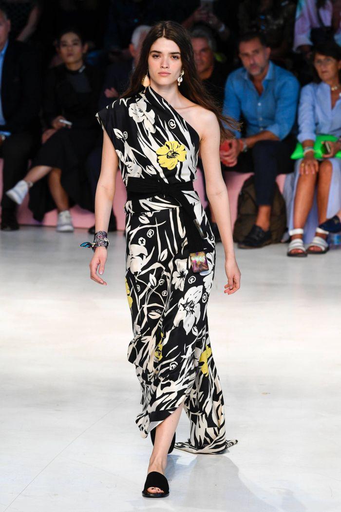 Модное платье 2019 весна-лето Etro