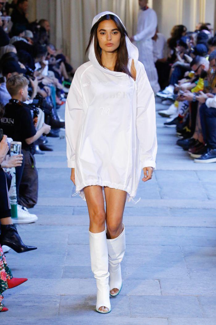 Модное платье 2019 весна-лето Iceberg