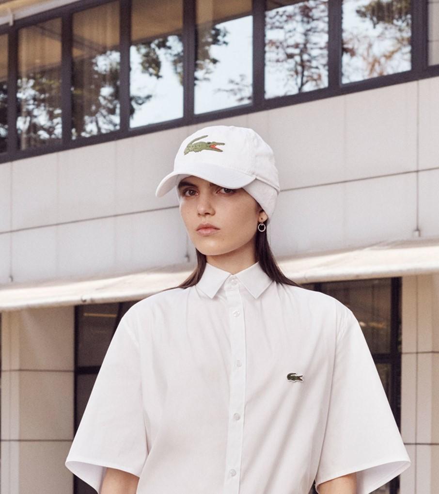 Модные женские головные уборы 2019 года. Lacoste