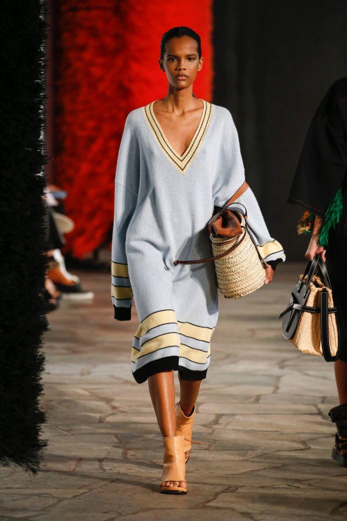 Модное платье 2019 весна-лето Loewe
