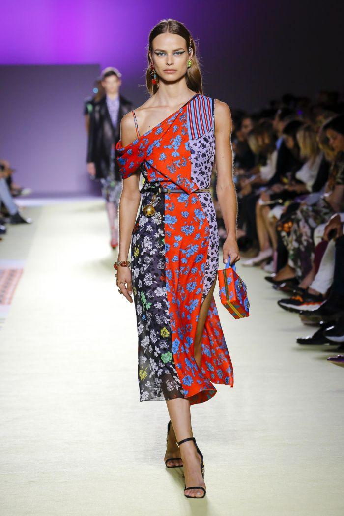 Модное платье 2019 весна-лето Versace