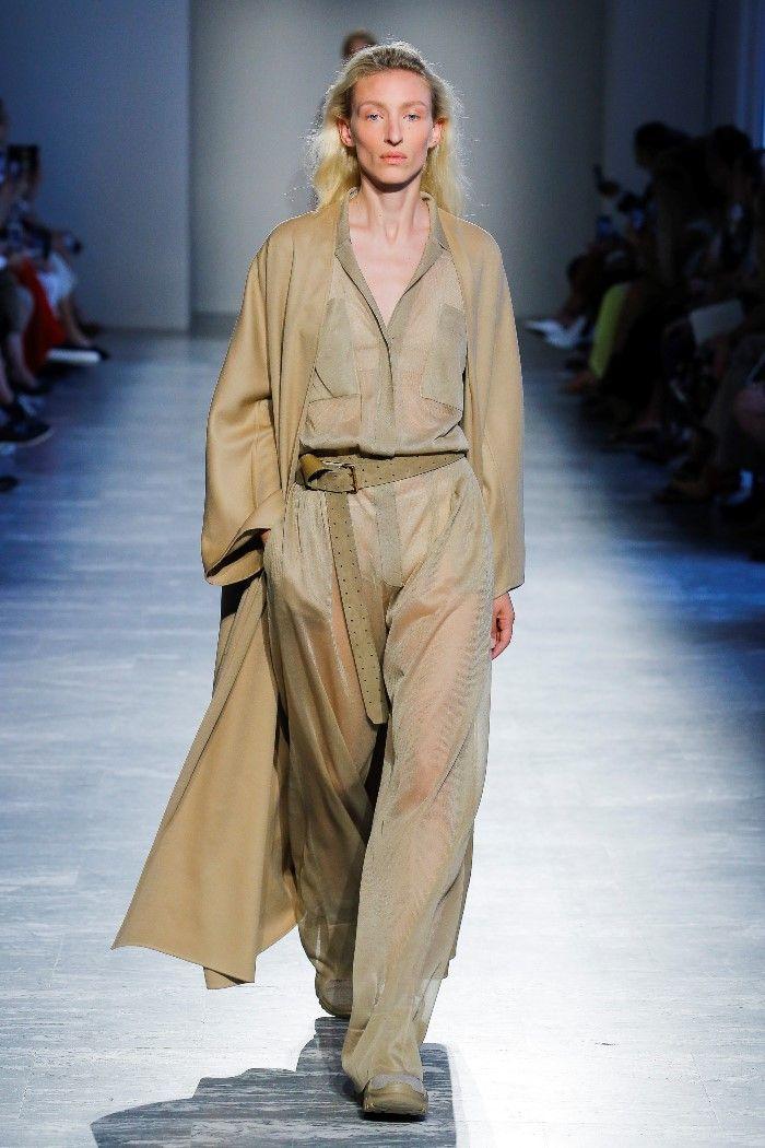 Модные брюки весна-лето 2019 из коллекции Agnona