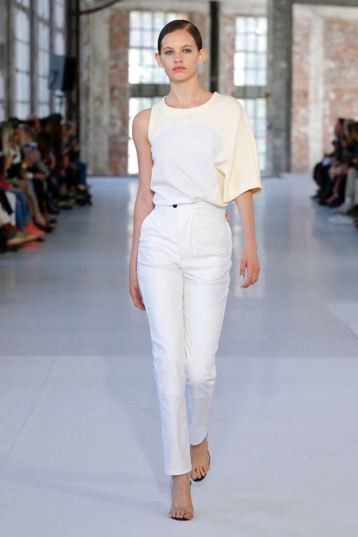 Модные брюки весна-лето 2019 из коллекции Atlein