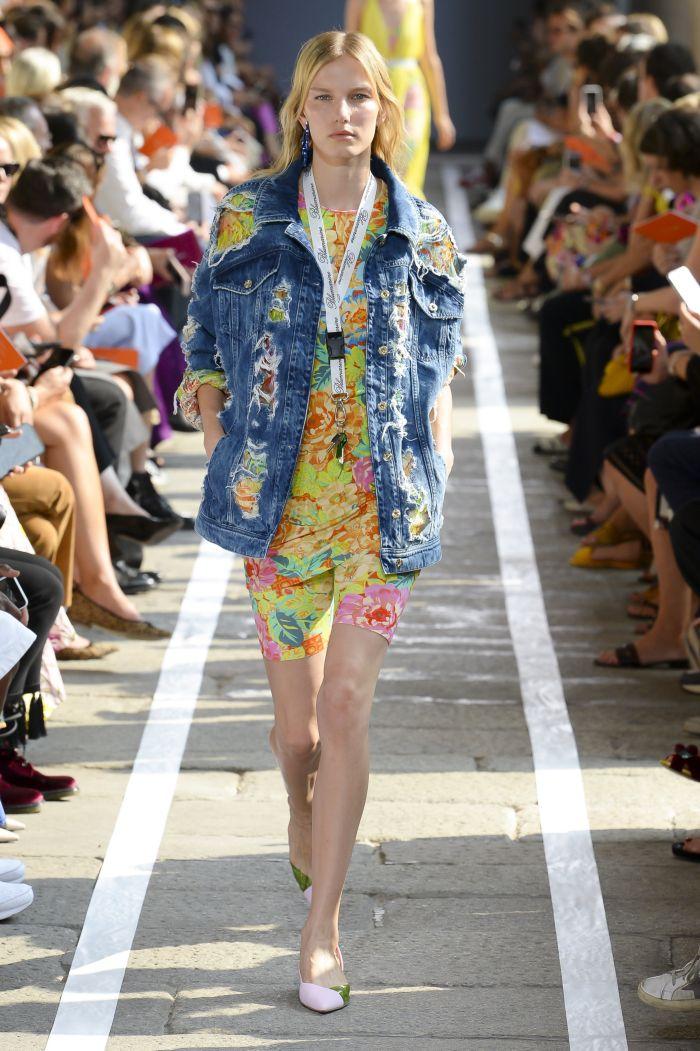 Модная одежда из денима Blumarine