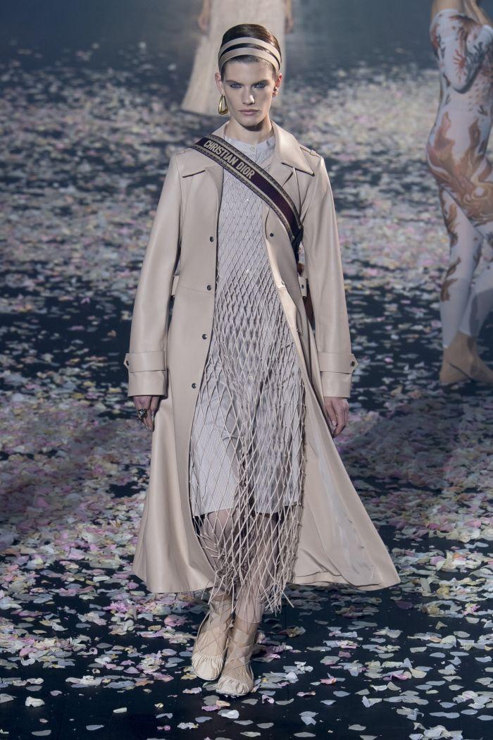 Модный плащ Christian Dior