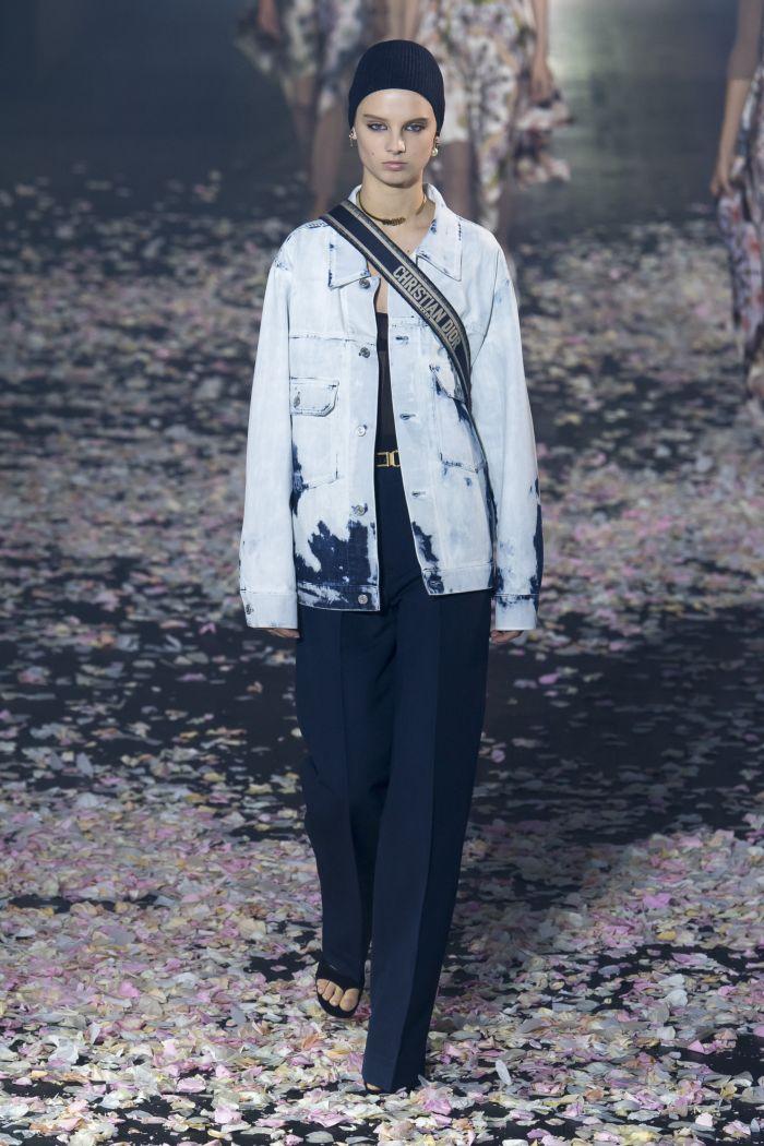 Модная джинсовая одежда Christian Dior