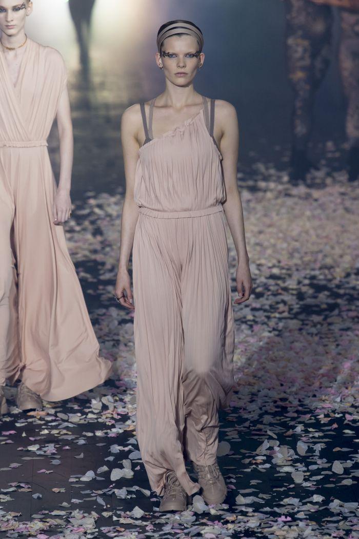 Модный комбинезон Christian Dior