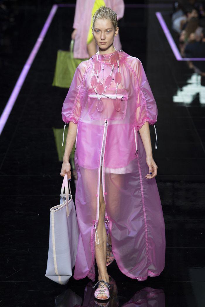 Модный плащ Emporio Armani