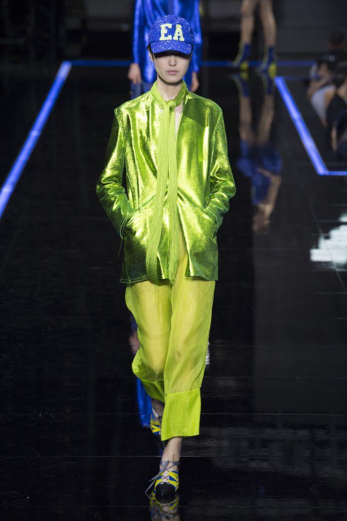 Модные брюки весна-лето 2019 из коллекции Emporio Armani