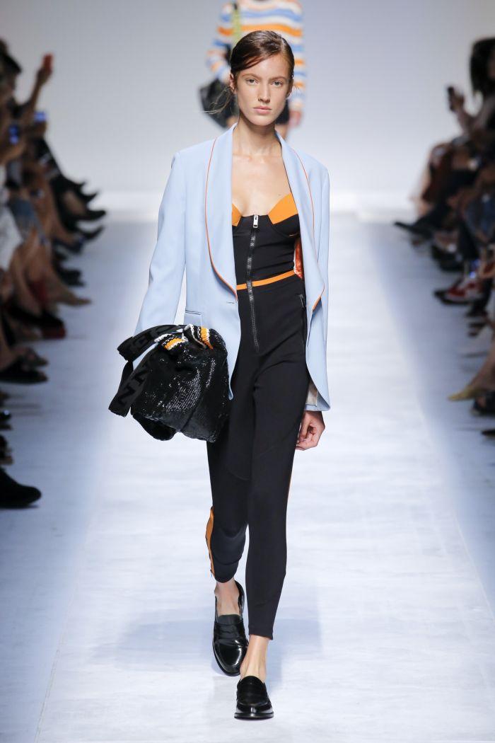 Модные брюки весна-лето 2019 из коллекции Ermanno Scervino