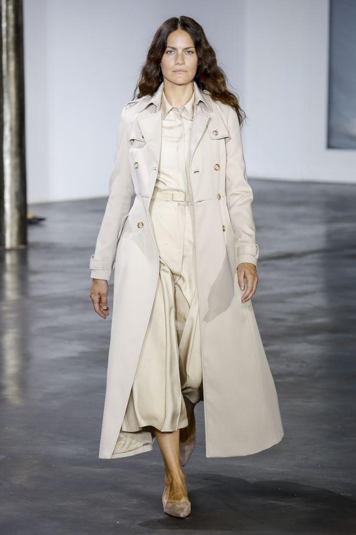 Модный плащ Gabriela Hearst