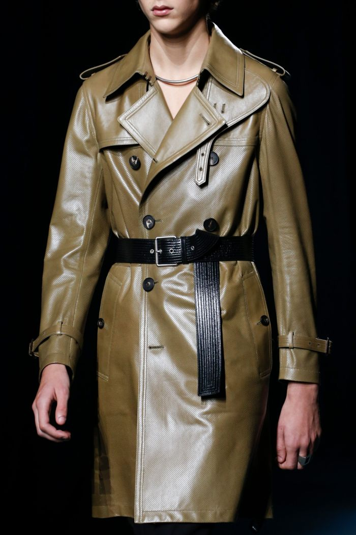 Модный плащ Givenchy