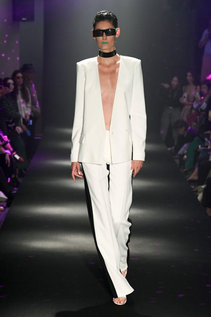 Модные брюки весна-лето 2019 из коллекции Guy Laroche