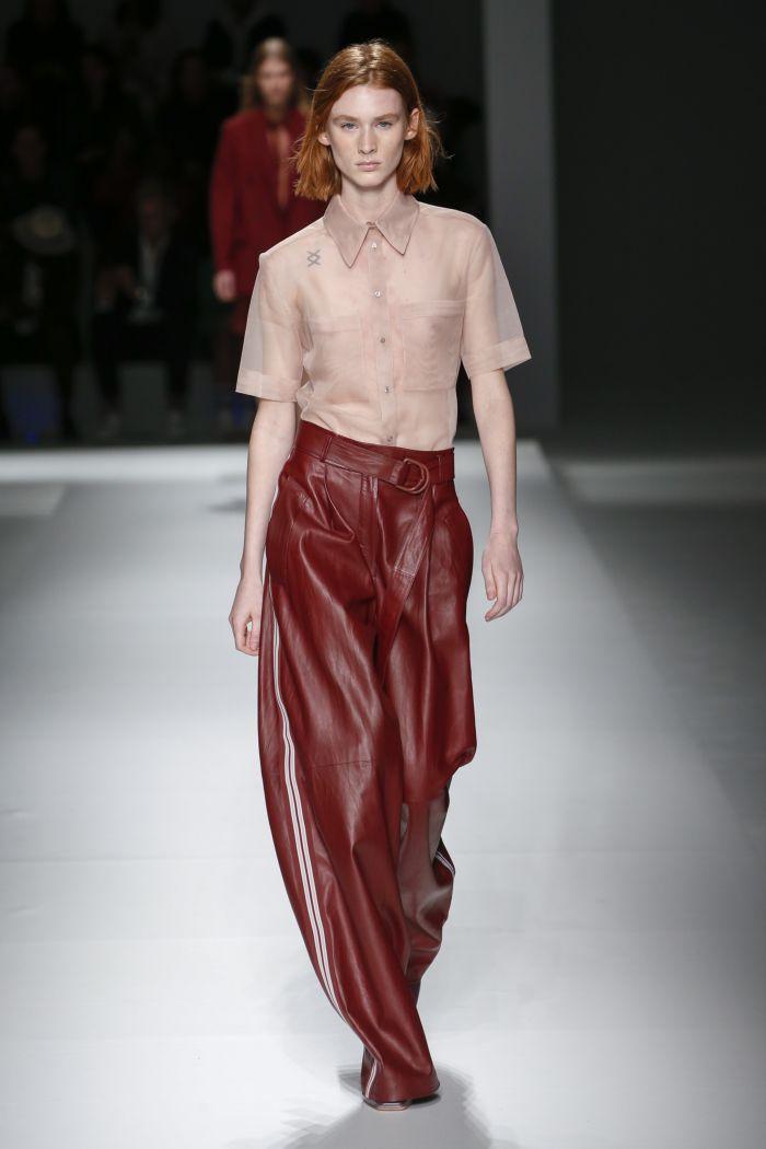 Модные брюки весна-лето 2019 из коллекции Hugo Boss