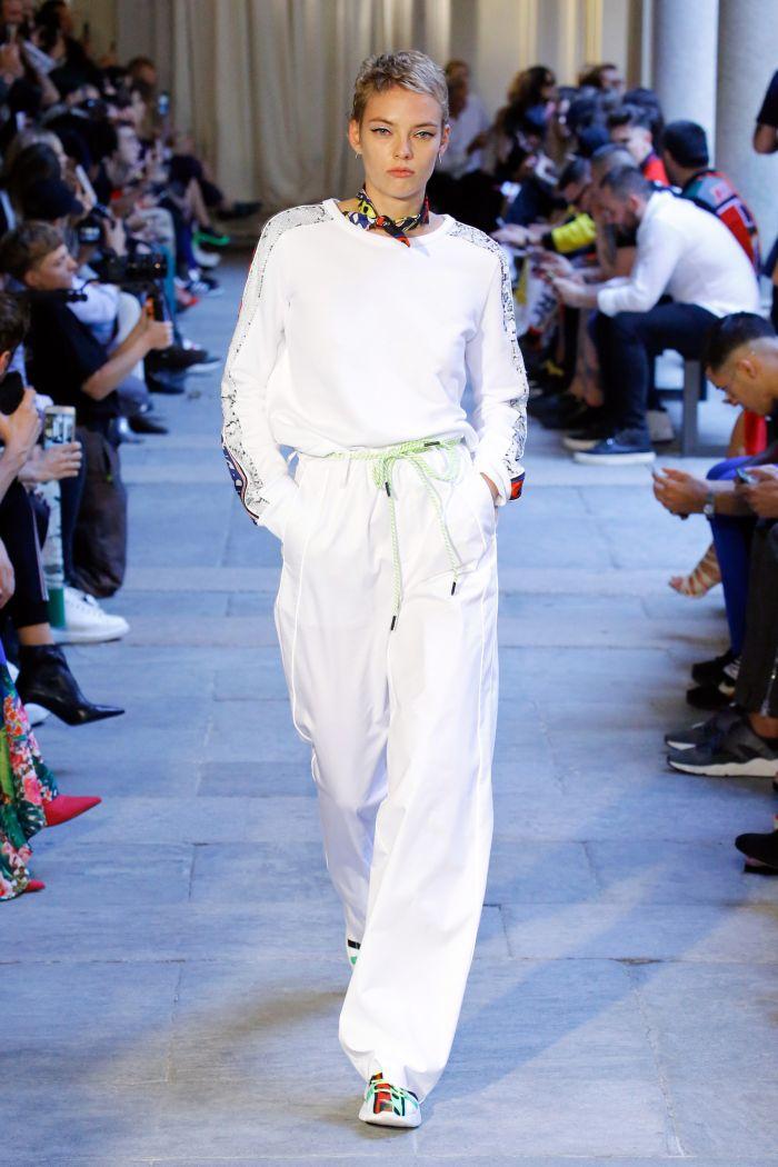 Модные брюки весна-лето 2019 из коллекции Iceberg
