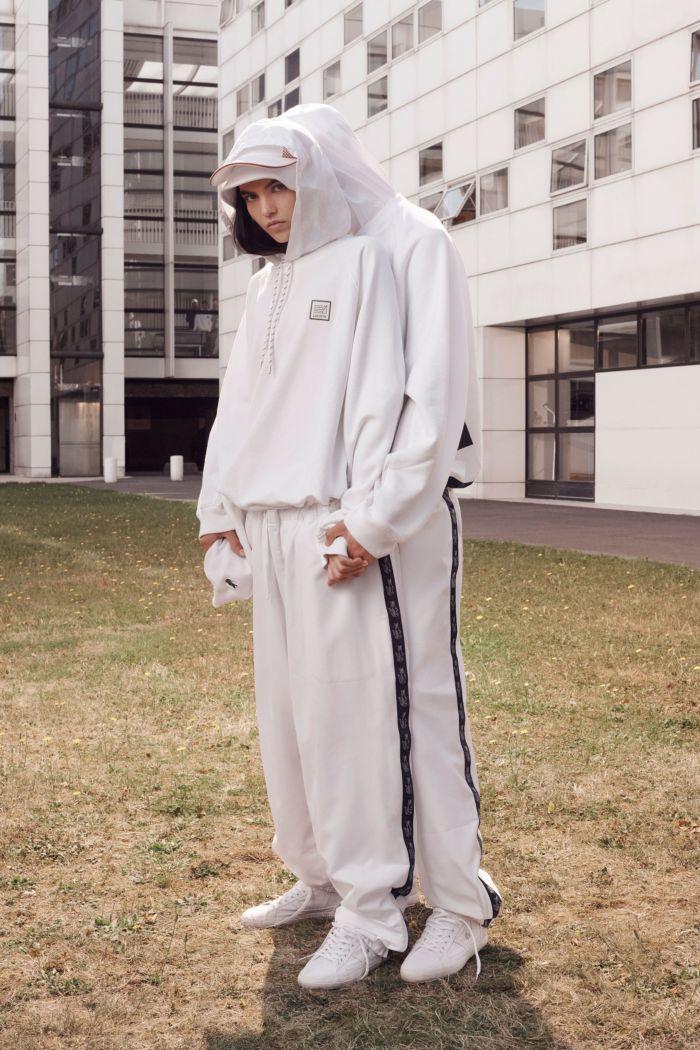 Модные брюки весна-лето 2019 из коллекции Lacoste