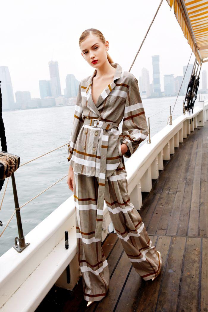 Модные брюки весна-лето 2019 из коллекции Lela Rose