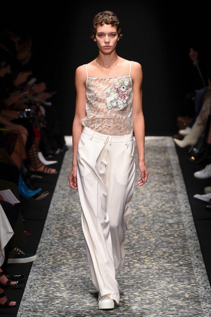 Модные брюки весна-лето 2019 из коллекции Marco de Vincenzo