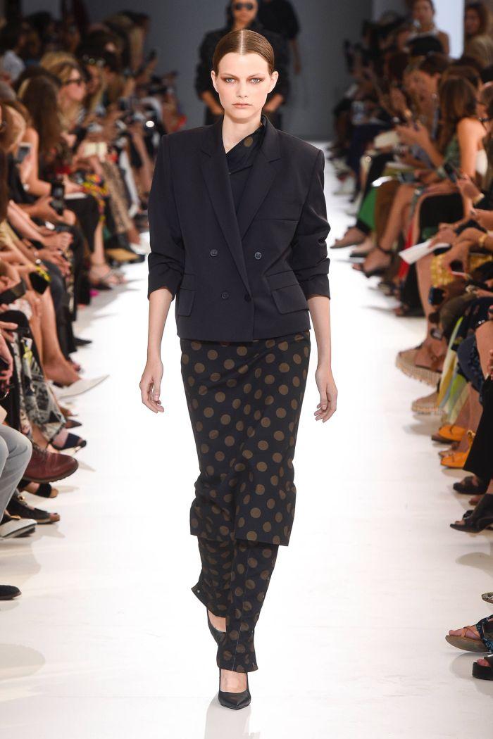 Модная юбка Max Mara
