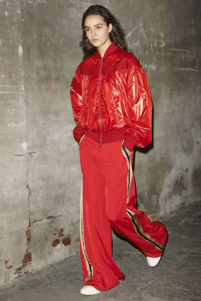 Модные брюки весна-лето 2019 из коллекции Moncler