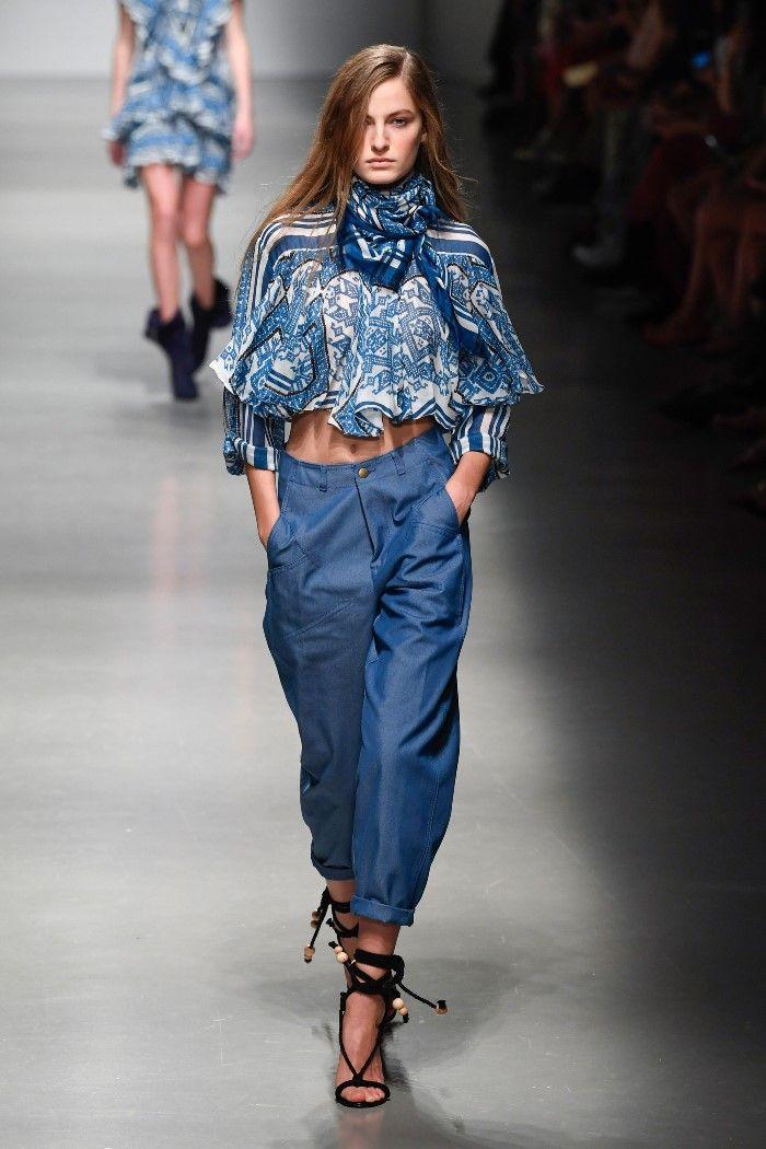 Модные брюки весна-лето 2019 из коллекции Philosophy di Lorenzo Serafini