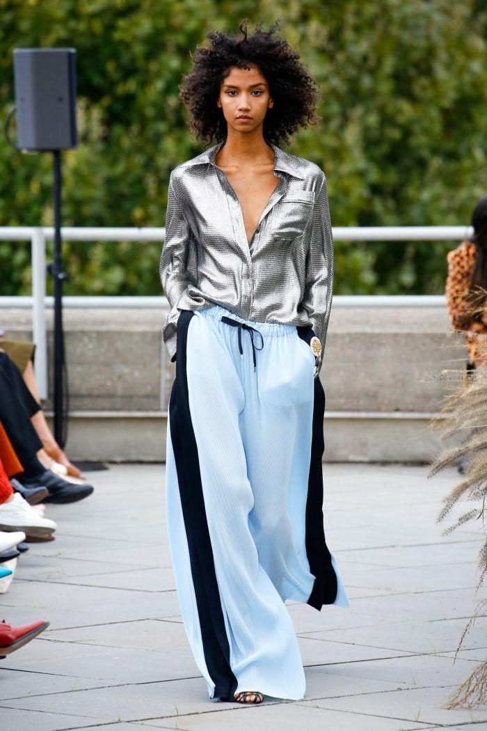 Модные брюки весна-лето 2019 из коллекции Roland Mouret