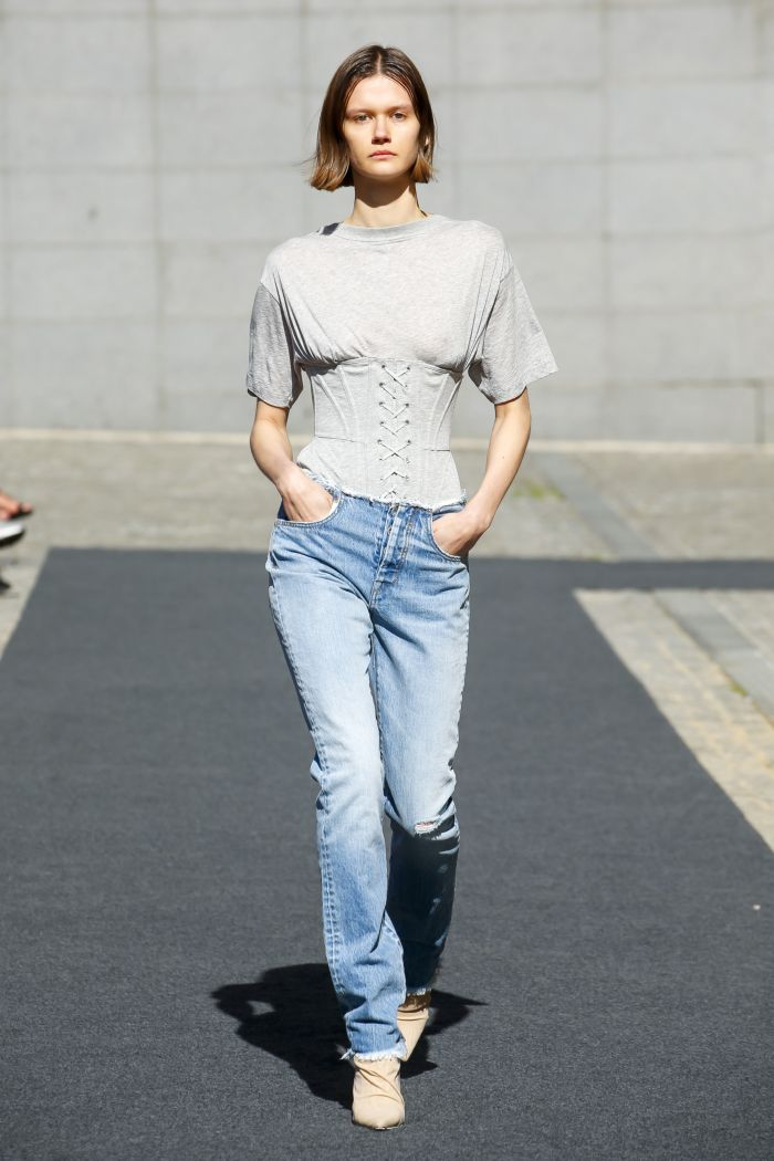 Модные оттенки джинсов Unravel