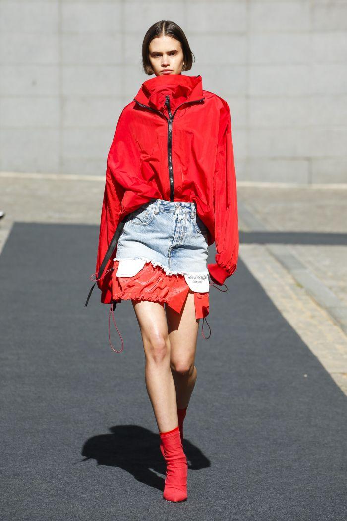 Модная джинсовая одежда Unravel