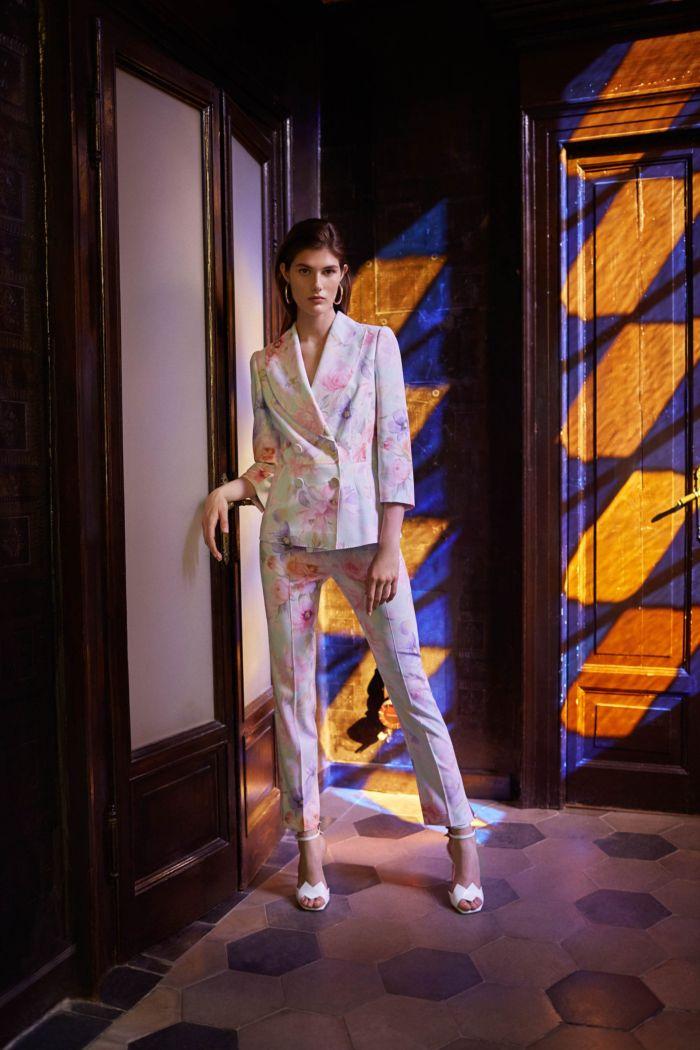 Модный женский костюм Blumarine