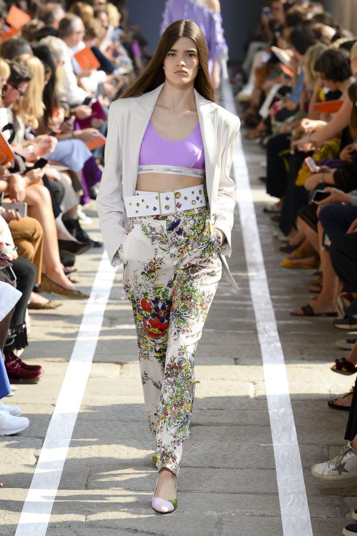 Модный топ Blumarine