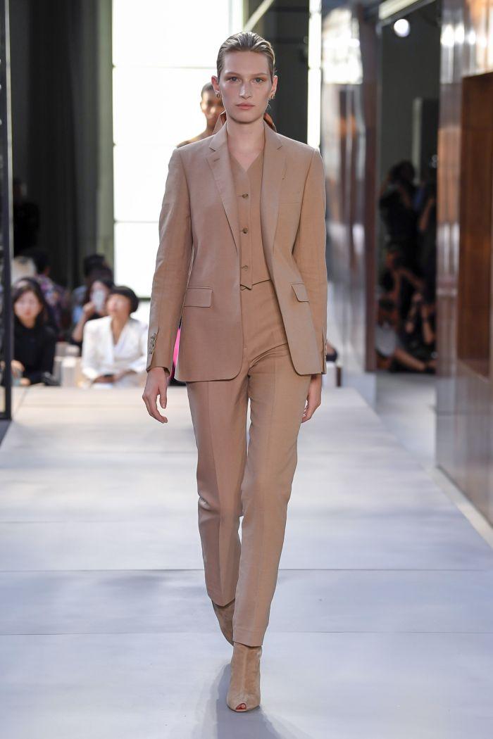Модный женский костюм Burberry