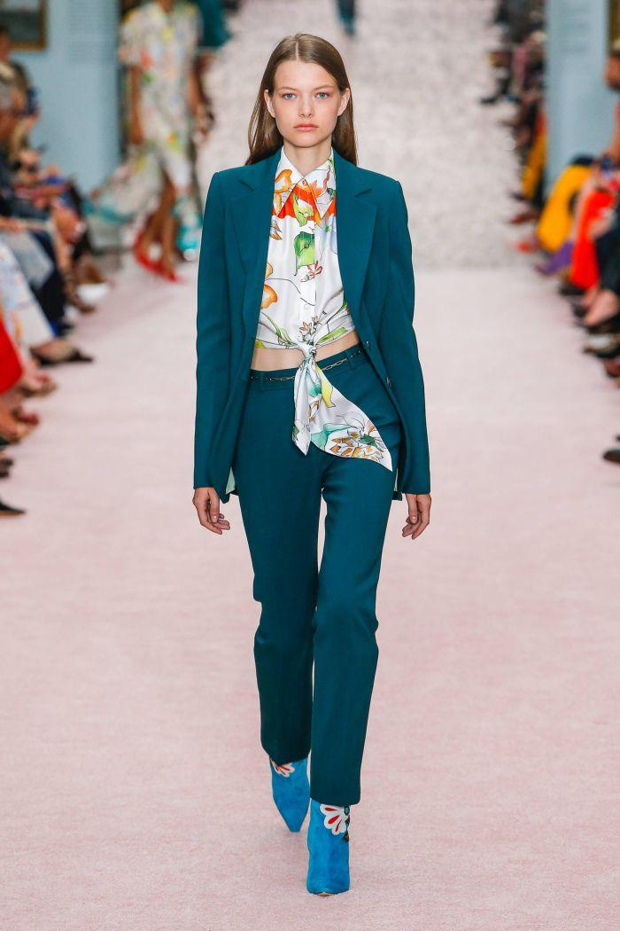 Модный женский костюм Carolina Herrera
