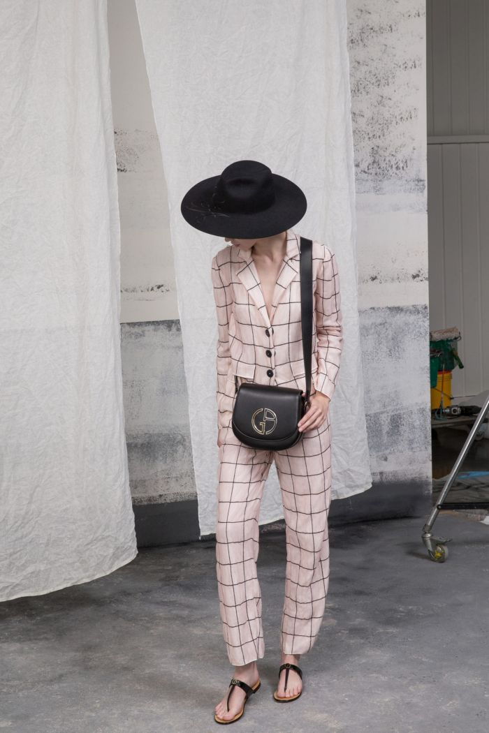 Модный женский костюм Giorgio Armani