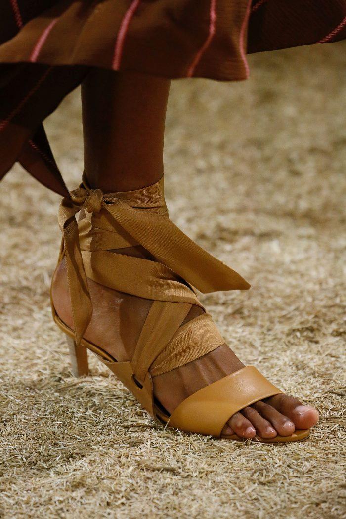 Модные летние босоножки Hermès