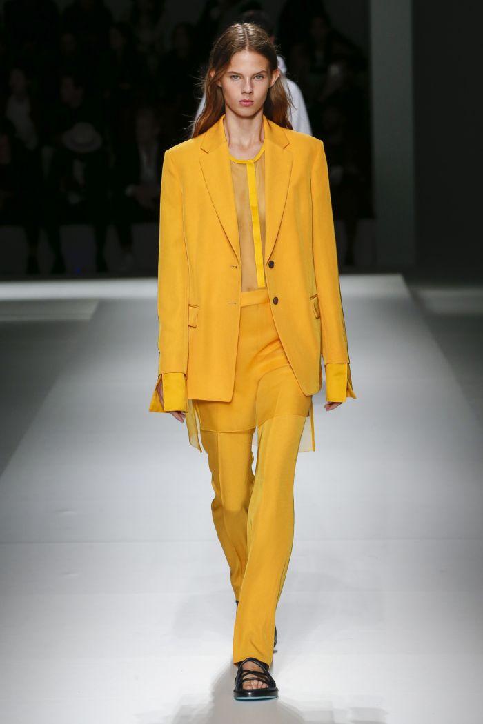 Модный женский костюм Hugo Boss