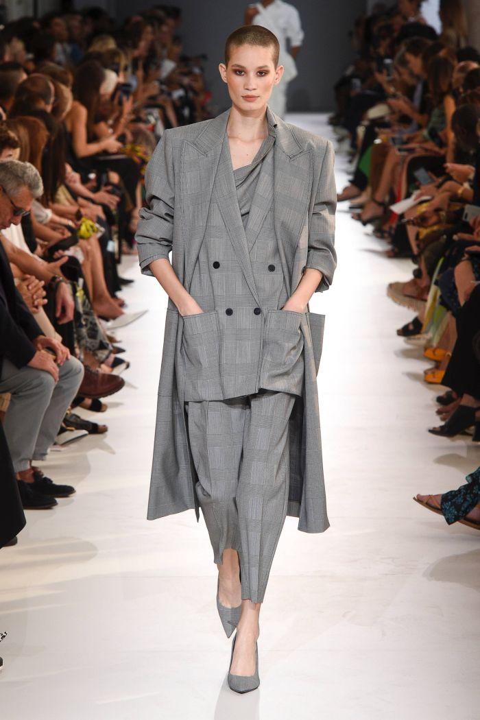 Модный женский костюм Max Mara