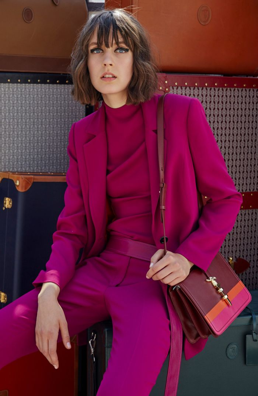 Модный женский костюм Trussardi