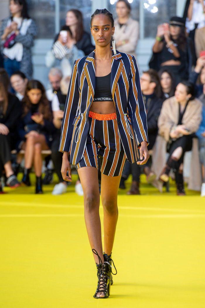 Модный пиджак Victoria Tomas