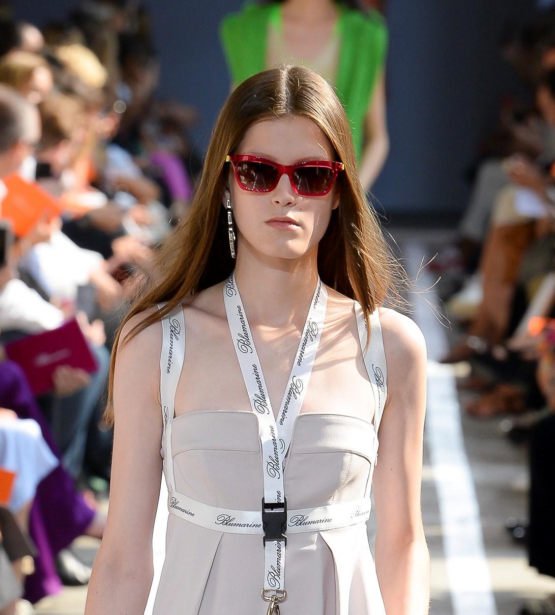 Модные очки Blumarine