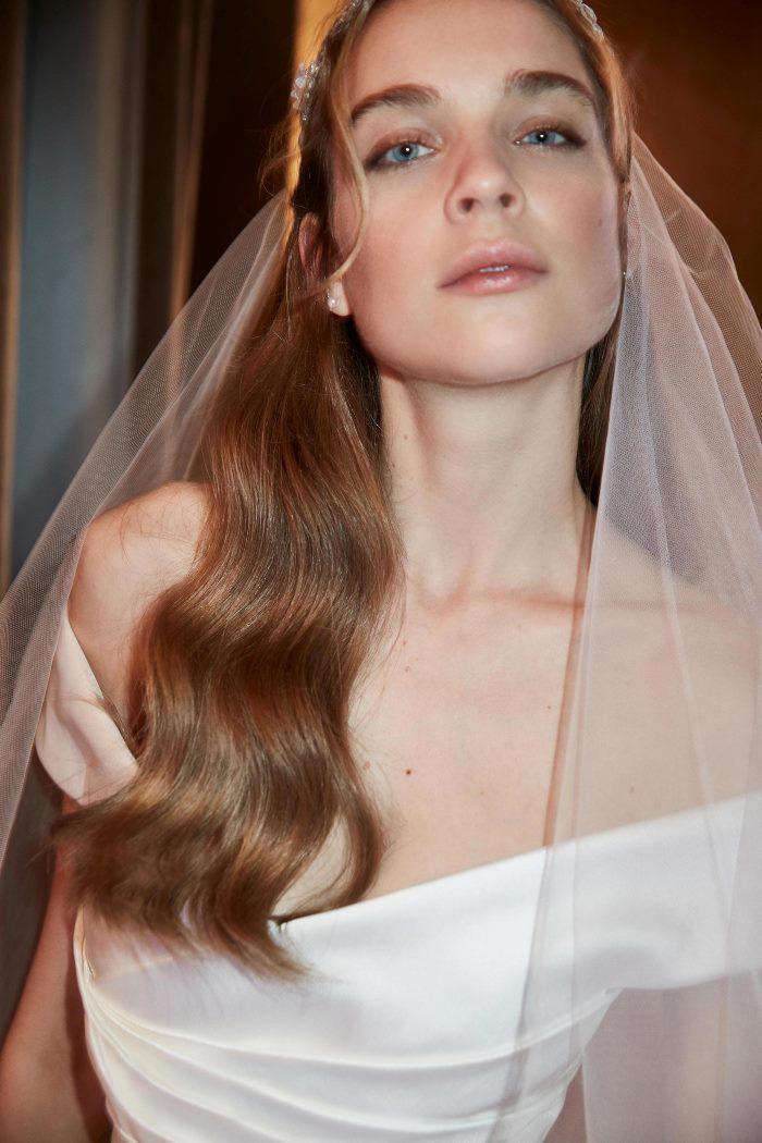 Свадебная прическа Elie Saab