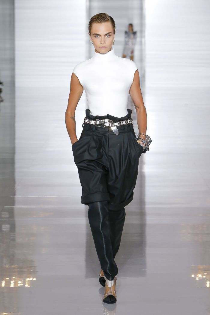 Модные шорты Balmain