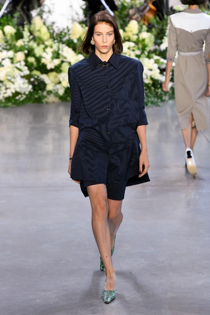 С чем носить черное платье-рубашку Calvin Luo