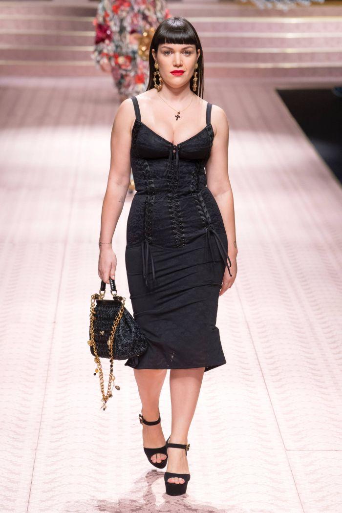 Модное черное платье Dolce & Gabbana