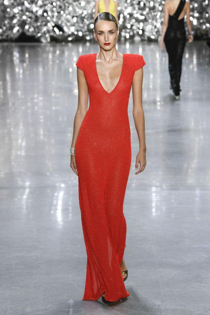Модное красное платье Naeem Khan