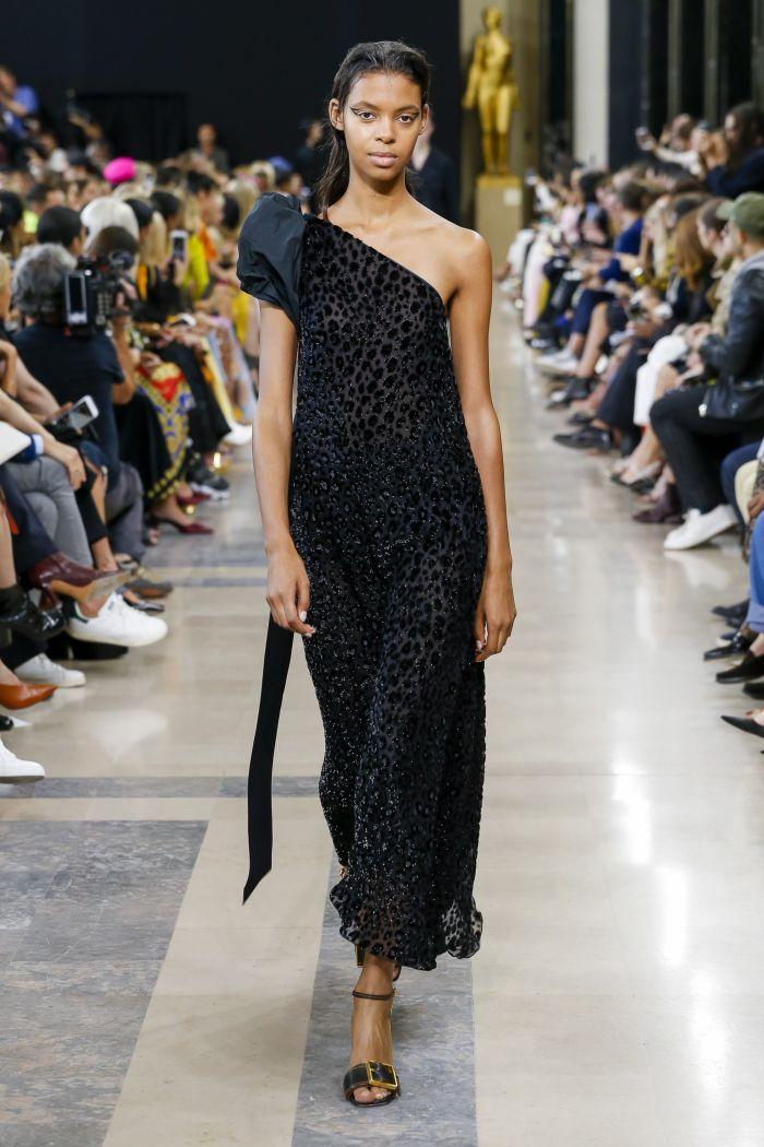 Модное черное платье Rochas