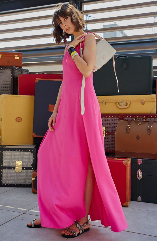 Модное длинное платье из коллекции Trussardi