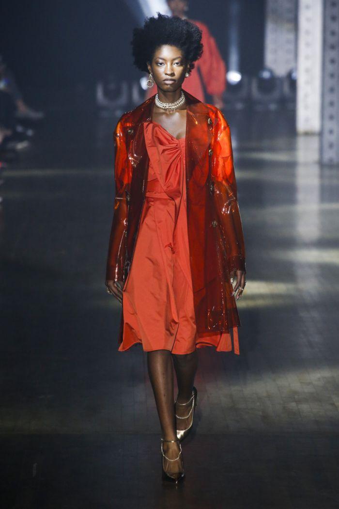С чем носить оранжевое платье. Образ из новой коллекции ADEAM